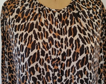Vintage Robe 1980's Leopard Print Nylon Gown Size M/38 Made by Vanity Fair Burlesque Midi Length Nightgown Boho Animal Print Duster