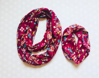 Matching Mother Daughter Outfits -  Mother Daughter Matching Scarves - Infinity Scarf - Mommy and Me Outfit - Mother's Day Gift - Fucshia