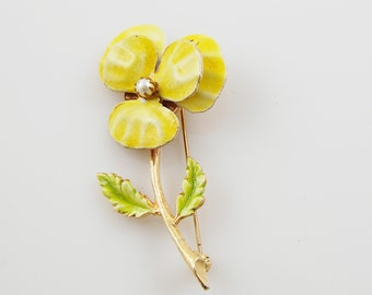 Vintage Accessocraft Yellow Enamel and Faux Pearl Flower Brooch