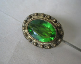 Olivine Green Faceted Stone Stick Pin Gold Vintage Oval