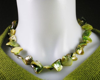 Green Mother of Pearl Necklace, Mother of Pearl Necklace, Green Necklace, Fashion Jewelry, Dressy Jewelry, Career Wear