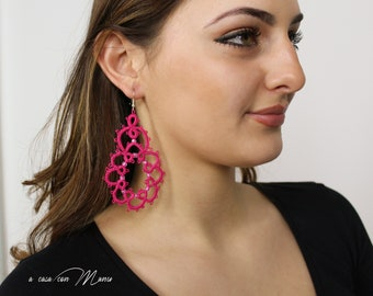 Pendant earrings for fuchsia pink girl and beads made in Italy in lace tatting
