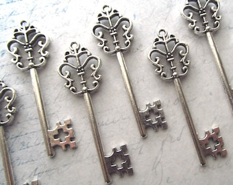 Zamora Antique Silver Skeleton Key  - Set of 10