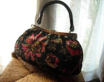 Handbag Embroidered Flower detail Silver clasp Carpetbagger Dova