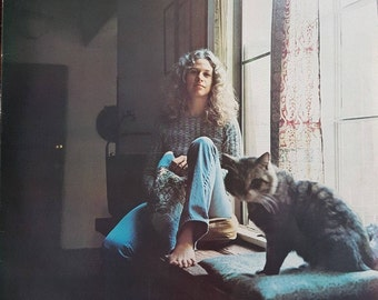 """Carole King """"Tapestry""""  -  Vintage Vinyl Record LP Excellent Condition - A Bona-Fide Classic - Free Shipping!"""