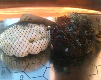 Glass stones 22 mm 100 black & 100 white irregular