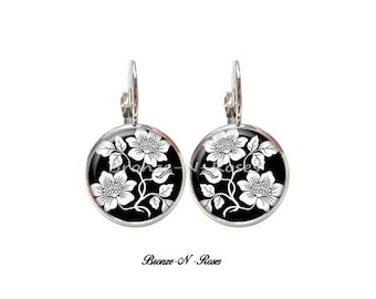 """""""Nature"""" Silver Flower cabochon earrings black and white Stud Earrings"""