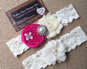Wedding garter / David's Bridal Begonia  / wedding  garter SET / bridal  garter/  lace garter / vintage lace garter