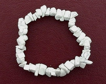 white howlite chip beads stretch bracelet