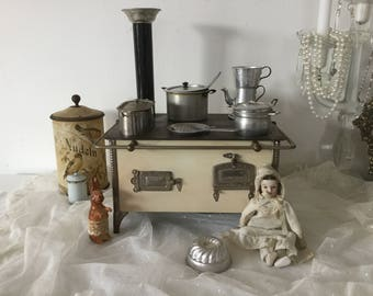 Antique Kitchen Stove Enamel doll furniture metal oven doll House Furnishing * CoeursDeCaschel *