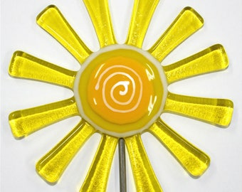 Glassworks Northwest - Transparent Yellow Daisy Plant Stake - Fused Glass Garden Art