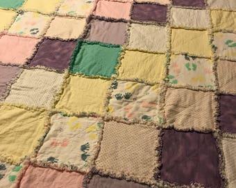 Crib or toddler bed rag quilt