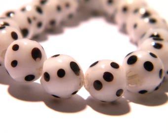 5 - 8 mm - Lampwork Murano glass bead is hand-white and black-G33-4