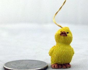 12 Vintage Miniature Resin Ducklings