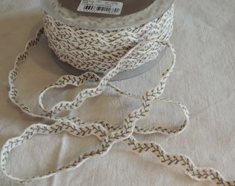 Croquet fancy shades beige and green pattern leaf width 14 mm