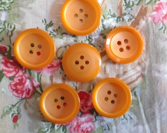 Set of six vintage buttons, vintage late 20 century