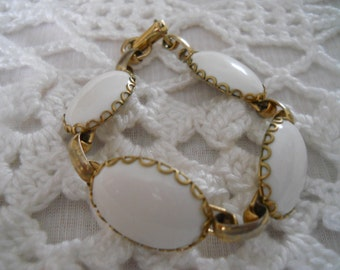 White Oval Bead Bracelet - vintage, collectible, jewelry