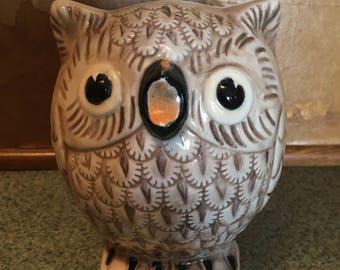 Darlene beige ceramic owl
