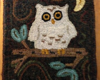 "Primitive Rug Hooking Pattern: ""Hoot"" (14.5"" x 19"")"