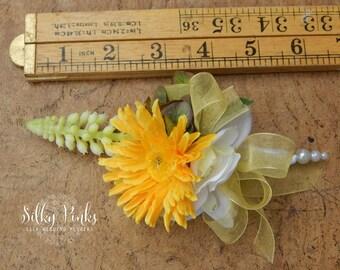 Silk Flower Corsage - Yellow Wedding Corsage - Gerbera Wedding Flower - Prom Corsage - Mother of the Bride corsage - Wedding Accessory