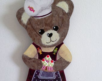 "Amandine ""Baker"" bear in wood and paper"