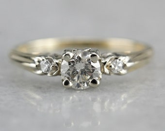 Beautiful Three Diamond Engagement Ring, Vintage Setting from the 1950s A4CFW0-D