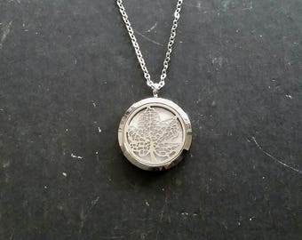 Leaf Aromatherapy Necklace • Stainless Steel Essential oil diffuser locket pendant