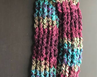 Crocheted cable scarf
