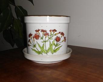 Vintage Small Flower Pot with Flower Design