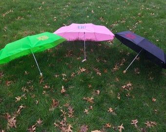 Monogramme brodés parapluies