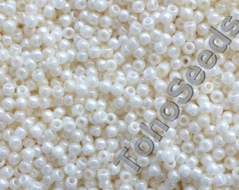 10g Toho Seeds Beads 11/0 Opaque Lustered Navajo White TR-11-122 Rocailles size 11 mini rocailles 2mm seed beads beaige ivory