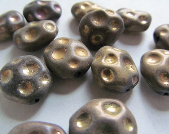 Vintage Glass Beads (4)(15x13mm) West German Bronze/Gold Moon Crater Beads