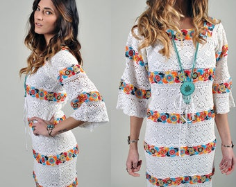 Vintage 1970's White and Floral Lace Hippie Maxi Dress S3