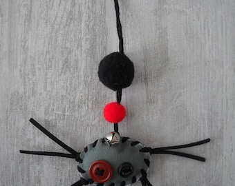 Great cat toy spider! Toy spider leather back with Bell