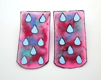 Raindrop Earrings, Glass Ribbon, Bubble Gum Pink, 60's Tye Dye Fashion Accessories, Blue Teardrop Studs, Marbled Glass Jewelry