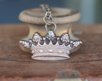 French Brass Stamping Crown Pendant Necklace