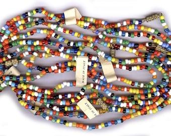 LOT de boite italienne 2mm - 4mm rocaille colliers des années 1960 vieux stock de verre antique colliers huit colliers avec Italie tag et Fermoirs