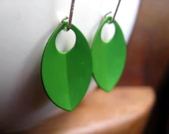 green earrings in sterling. silver dangle earings. modern jewelry. splurge.