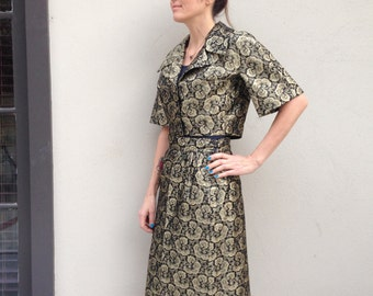 50s 60s Wiggle Suit brocade Secretary gold metallic black Vtg