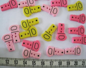 21 pcs of Tiny Hand Saw Button or  Key Button - 20mm