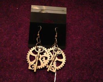 Key & Gear Steampunk earrings
