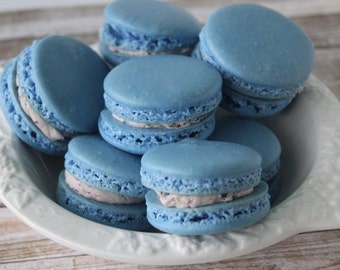 French Macarons Blueberry Pie