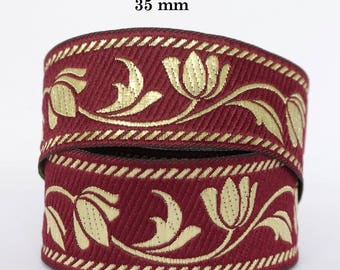 Embroidered Jacquard lace * medieval * 35 mm width