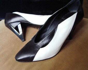 High Fashion Italian Design Black & White Kid High Heel Pumps 7 M/37European Item #45 Shoes