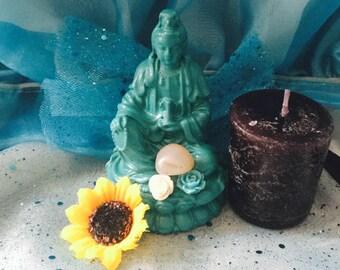 Quan Yin figurine, Kwan Yin, Goddess of Mercy and compassion