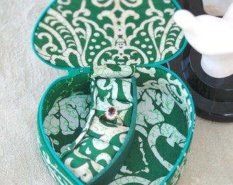 Fabric Jewelry Case Heart Shaped Green & White Vintage