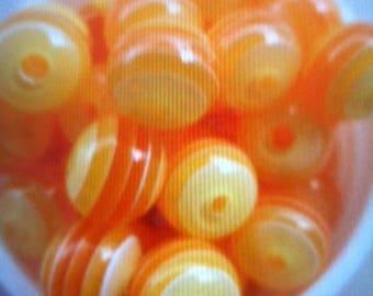 20 yellow and orange resin round bead 8 mm