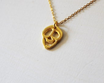 Gold skull necklace, Smiling skull pendant, Day of the dead skull necklace, Gold skull charm, Dia de los muertos jewelry Halloween jewelry,