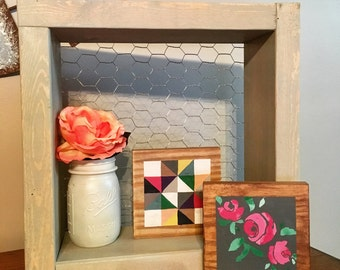 Farmhouse Style Chicken Wire Wall Display Shelf