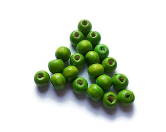 20 x green wooden beads